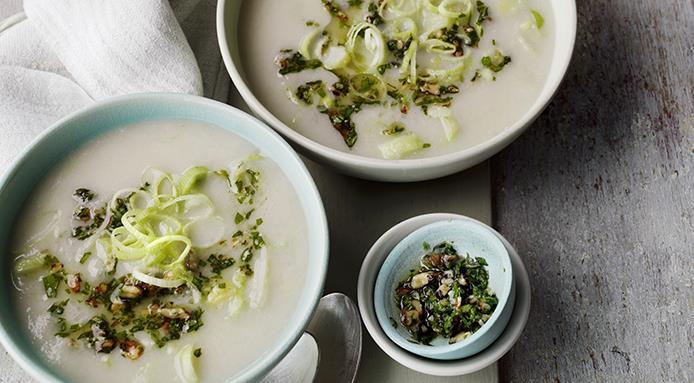 recettes soupes hiver : velouté poireaux aux noix prim fruits vendome