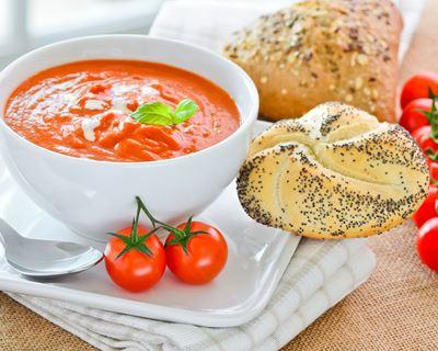Gaspacho de tomates cerises au basilic