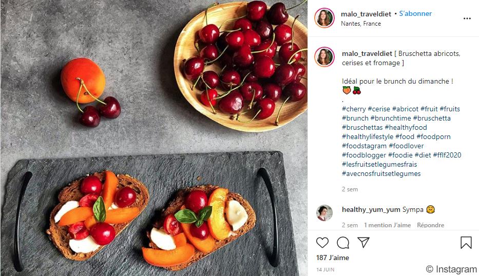 Instagram - Bruschetta abricots, cerises et fromage - malo_traveldiet